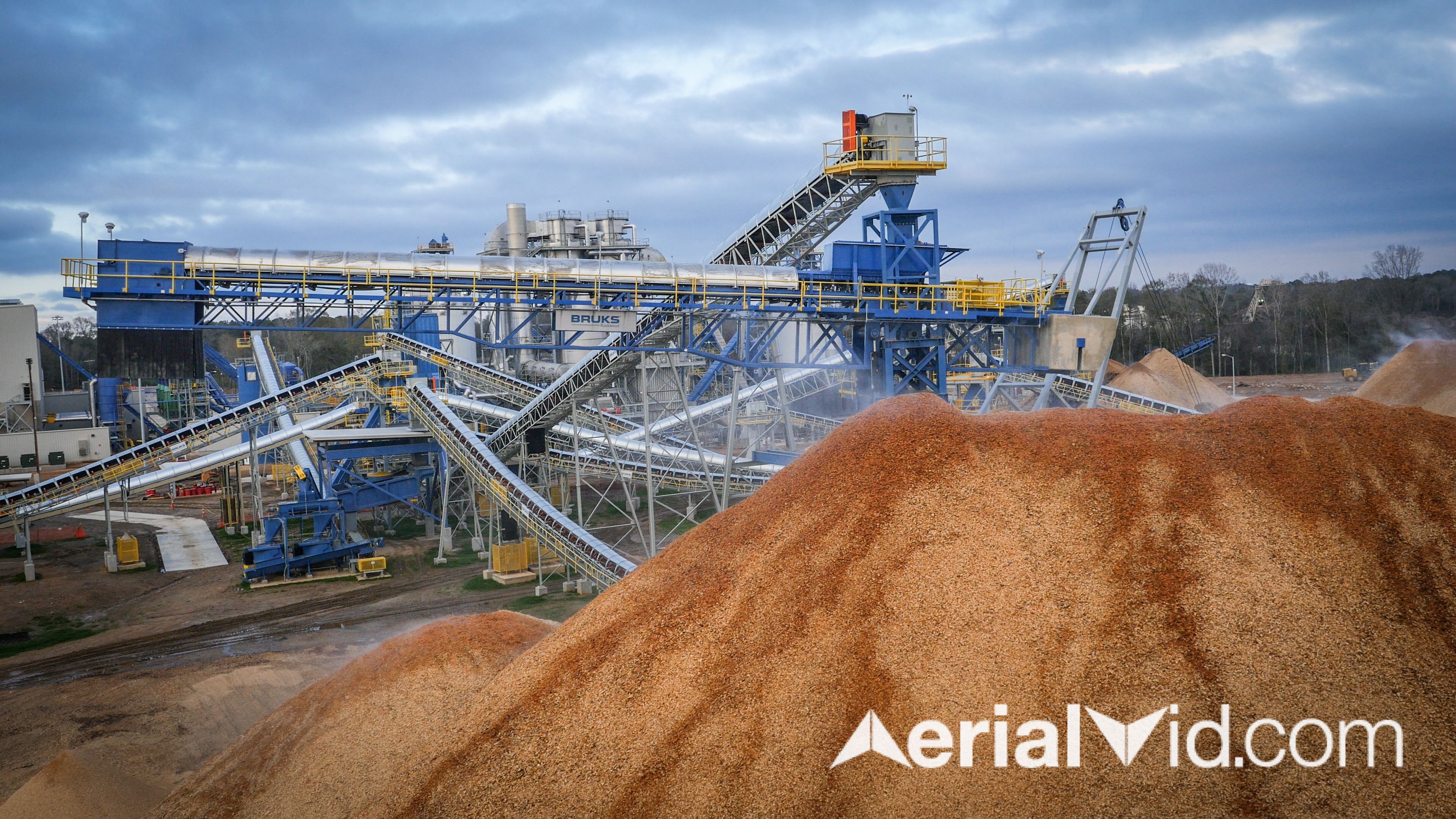 wood-pellets-chips-industrial-photography